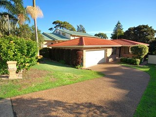41 Leonard Avenue- pet friendly, boat parking & aircon
