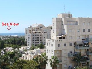 AYAS Beautiful 3BR mini Penthouse on Park Hayarkon Tel Aviv