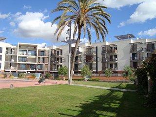 Amplio y luminoso apartamento en 1° linea de playa