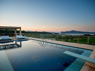 Lux Villa ideal for event/wedding ★Jacuzzi★6bedrooms & 6 bathrooms★Infinity pool