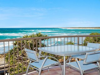 Pandanus Shores Unit 9 Kings Beach QLD