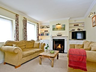 Jasmine Cottage, Charmouth located in Bridport, Dorset