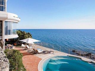6 bedroom Villa in Rosignano Solvay-Castiglioncello, Tuscany, Italy : ref 567582