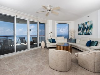 Beach Colony Resort East Penthouse 3C