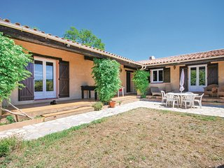 2 bedroom Villa in Villecroze, Provence-Alpes-Côte d'Azur, France : ref 5675980