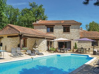 6 bedroom Villa in Pinet, Nouvelle-Aquitaine, France : ref 5676119
