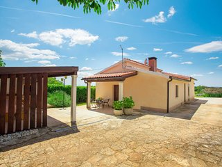 3 bedroom Villa in Munci, Istria, Croatia : ref 5638348