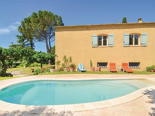 3 bedroom Villa in Saint-Hilaire-d'Ozilhan, Occitanie, France - 5676051