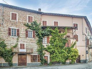 4 bedroom Villa in Cuccaro Monferrato, Piedmont, Italy : ref 5676130