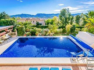 Santa Lucia Villa Sleeps 10 with Pool and Air Con - 5676356