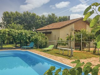 5 bedroom Villa in Case Bettiol, Veneto, Italy : ref 5607230