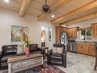 Bella - Awesome Location! Sweet Casita in the Heart of Santa Fe