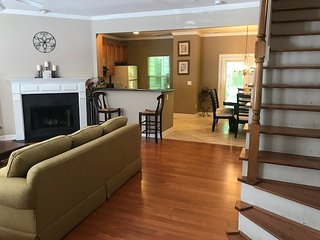 Superb 3BR Town House Atlanta near Sun Trust Beautifully furnished