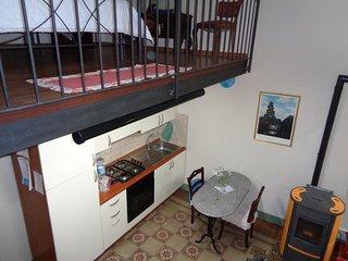 grazioso appartamento con balcone