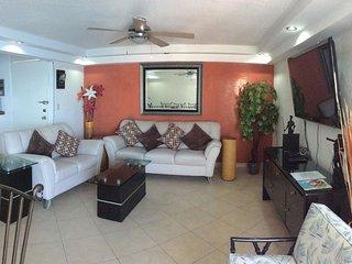 Gigante depa en la playa, balcon pv, piscina, TVxCable, WIFI, 3dormitorios