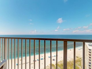 NEW LISTING! Bright oceanfront condo w/views & shared pool/hot tub/ tennis