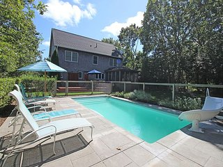 BEAUTIFUL SUNNY HOME IN EDGARTOWN WITH POOL