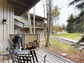 NEW LISTING! Mountain condo w/deck & shared hot tub/pool - bus to lifts