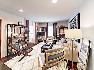 Stroll to Dining, Boutique & Galleries - Trendy 12South 2BR w/ Outdoor Living