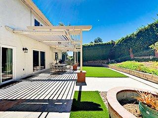 Luxe Dana Point 4BR w/ Manicured Backyard & Patio - 5 Mins to Beach & Bistros