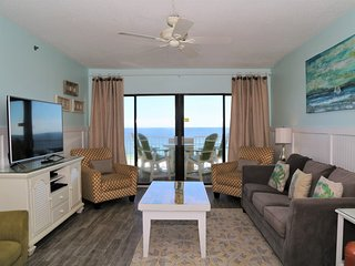 Tropical Winds 304 ~ Remodeled, Gulf Front, Prime Location ~ Free Wifi ~ All the