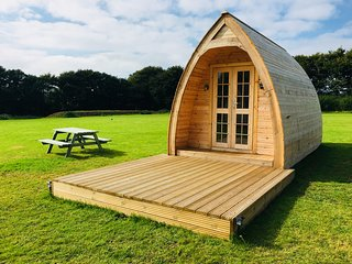 Higher Culloden Farm - Sweet Pea Cabin - Glamping Pod Holidays