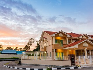 Tropikal N Lodge by D Imperio Homestay