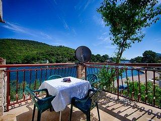 Apartments Malo Lago - One-Bedroom Apartment with Balcony and Sea View - 2nd