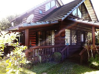 3BR Beautiful Log house nr Lourdes Church