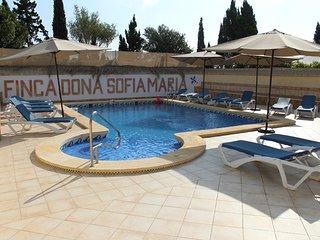 Finca Doña Sofia Maria. Casa para 4 pers., piscina comun., ideal para familias!
