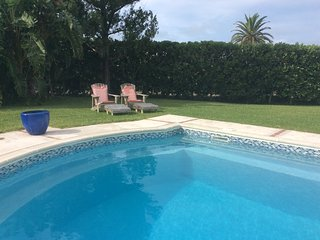 Las Brisas Apartment with Pool and close to beach