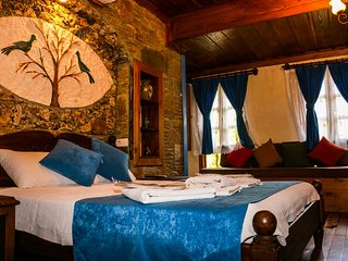 Heritage Stone 5 Star Charismatic Villa Ares Suite