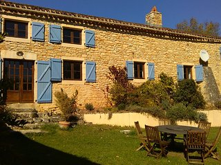 Beautiful tranquil country farmhouse with pool, covered terrace and free wifi