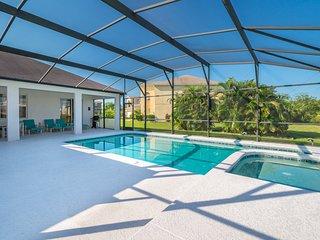 Luxury 3BR-South Facing Pool, Lake View, Free Spa Heat, BBQ, Games Room-Disney
