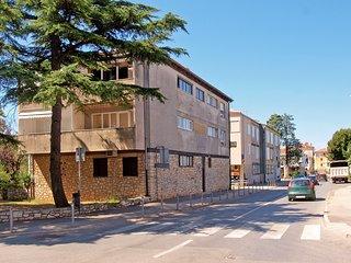 Apartment 16404