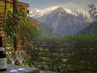 Self-Catered Apartment in Servoz, Chamonix Valley.  Garden & Views to Mt Blanc.