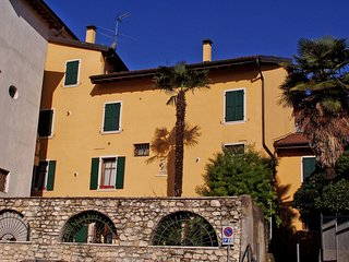 3 bedroom Apartment in Pulciano, Lombardy, Italy : ref 5559732