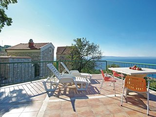2 bedroom Villa in Tucepi, Splitsko-Dalmatinska Zupanija, Croatia : ref 5541310