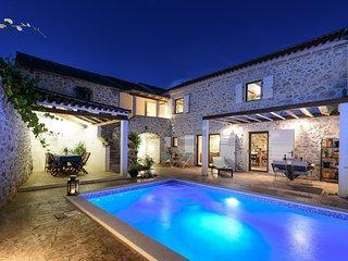 Beautiful Villa Dvori, in Nin, with a Pool