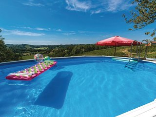 2 bedroom Villa in Grabrovnik, Međimurska Županija, Croatia : ref 5549011