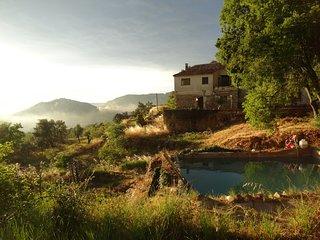 Prachtig appartement in de bergen en dicht bij het dorp