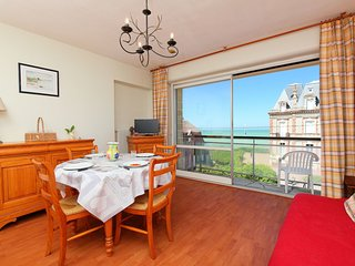 1 bedroom Apartment in Cabourg, Normandy, France : ref 5558160