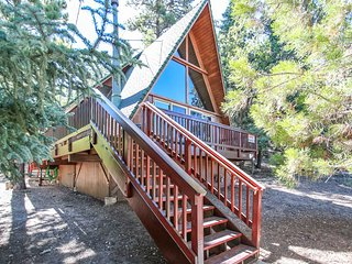 Luxury Mountain Getaway~Cozy Upscale Moonridge Escape~Loft~Essentials~