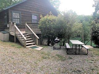 Trillium Lakefront Cabin
