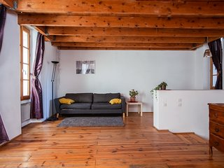 Charming Duplex City Center - Air Rental