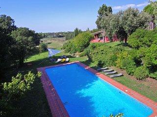 Montenero Villa Sleeps 14 with Pool and WiFi - 5490118