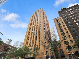 Luxury 1 Br Executive Suite in Excellent Midtown Location