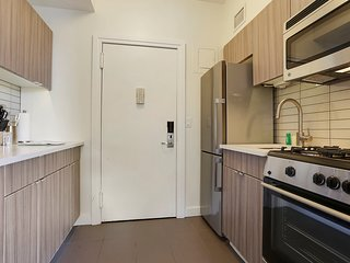 Luxury Studio Suite in Excellent Midtown Location