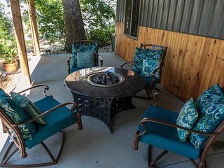 Relaxing retreat , community dock , boat rental - Houses for Rent in Lake Ozark,
