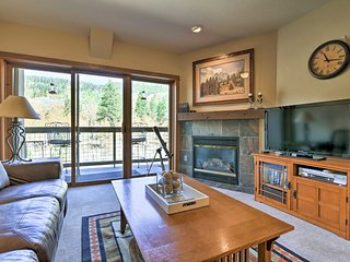 NEW! Keystone Condo-Sleeps 7-Walk/Shuttle to Lifts
